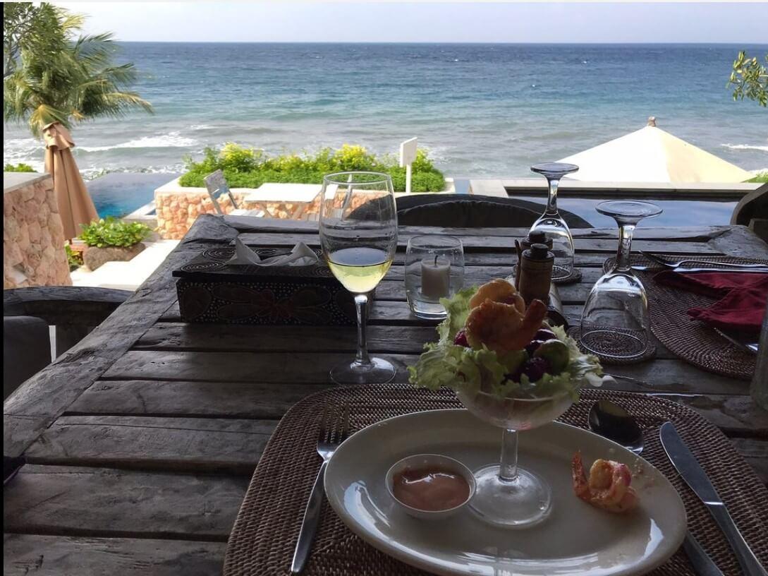 Nhà hàng view đẹp ở Bali